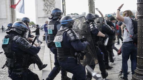 """Les arrestations des """"gilets jaunes"""" lors du défilé du 14-Juillet étaient-elles légales ?"""