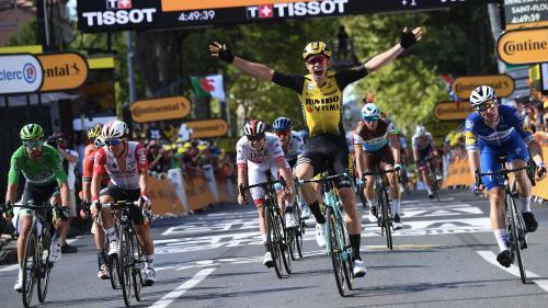 Tour de France : Wout van Aert gagne l'étape, Thibaut Pinot perd du temps