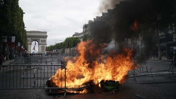 """14-Juillet : 282 interpellations en France, """"essentiellement"""" liées aux incidents en marge de la qualification de l'Algérie pour la finale de la CAN"""
