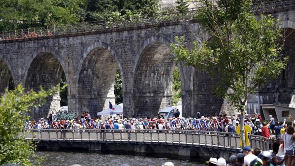 DIRECT. Tour de France : les sprinteurs vont-ils reprendre la main ? Regardez la 10e étape entre Saint-Flour et Albi