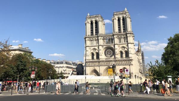 """Chantier de Notre-Dame: """"Il faut que ce soit un lieu de visite"""", insiste le maire du IVe arrondissement de Paris"""