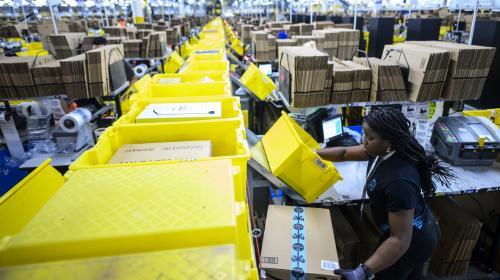 """Amazon : une mobilisation internationale contre les """"promos sur le dos des salariés"""""""