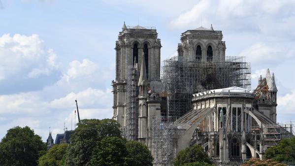 Notre-Dame de Paris : avant le début des travaux, la sécurisation des lieux