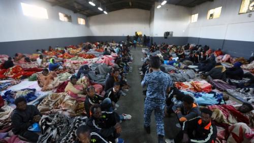 """""""Le statu quo ne peut plus continuer"""" : le HCR et l'OIM réclament à nouveau la fin de la détention des réfugiés et migrants en Libye"""
