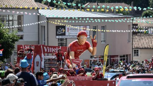 Pourquoi aime-t-on autant la caravane du Tour de France ?