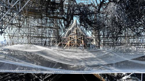 VIDEO. Des robots à l'œuvre et des débris à déblayer : voici à quoi ressemble le chantier de Notre-Dame, trois mois après l'incendie
