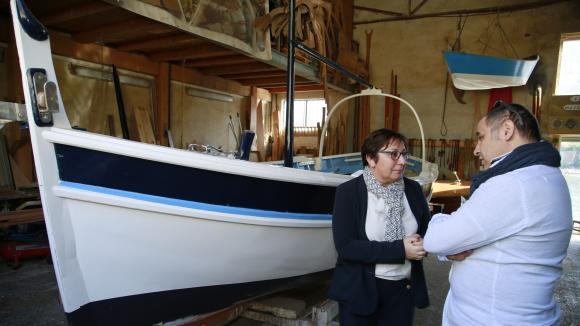 La secrétaire d\'Etat Martine Pinville en visite sur le chantier naval Borg, à Marseille, en 2017.