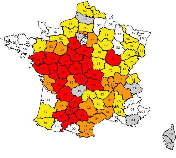 Restrictions d\'eau par niveaux et par départements