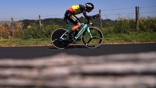 DIRECT. Tour de France: Van Aert tombe et abandonne, les favoris vont partir... Regardez en direct le contre-la-montre individuel à Pau