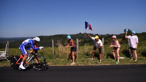 DIRECT. Tour de France: Pinot est dans les temps, Alaphilippe ne lâche rien... Regardez le contre-la-montre individuel à Pau