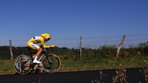 DIRECT. Tour de France: Emmanuel Macron inaugure un totem pour le 100e anniversaire du maillot jaune