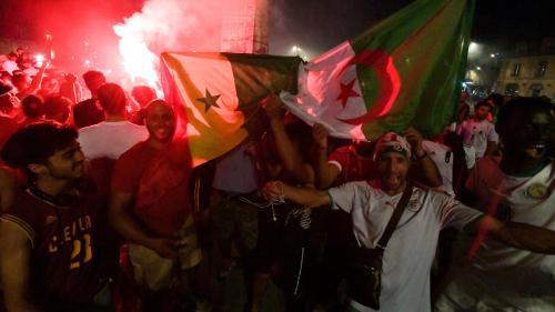 """""""Ce n'est que le ballon"""" : à Paris, supporteurs algériens et sénégalais attendent la finale de la CAN dans une bonne ambiance"""