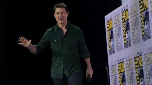 """Tom Cruise présente la bande-annonce du nouveau """"Top Gun"""" au Comic-Con"""