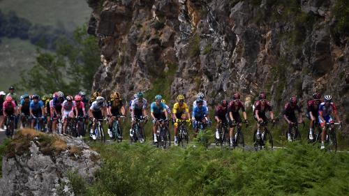 DIRECT. Tour de France : Romain Bardet lâché avant l'ascension vers le Tourmalet