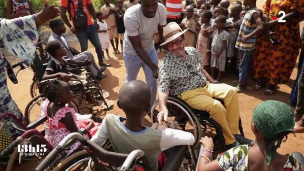 """VIDEO. """"Papa Lulu"""" a aidé pendant trente ans ses """"frères en chaise roulante"""" avec Handicap sans frontières"""