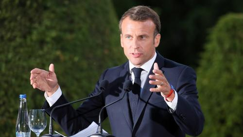 """Crise migratoire : sans initiative, """"Emmanuel Macron et Angela Merkel se rendent compte que ça risque de détruire l'Europe"""""""