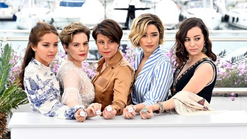"""""""Papicha"""" : rencontre en Corse avec l'équipe du film algérien qui a ému Cannes"""