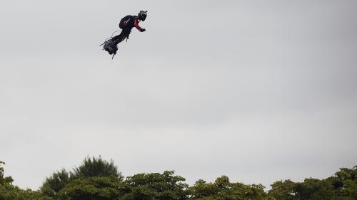 VIDEO. Franky Zapata va de nouveau s'élancer sur son Flyboard pour tenter de rejoindre l'Angleterre