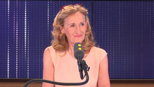 """VIDEO. PMA : le gouvernement va """"créer un titre spécifique dans le Code civil"""" pour """"sécuriser la filiation"""" dans les couples de femmes"""