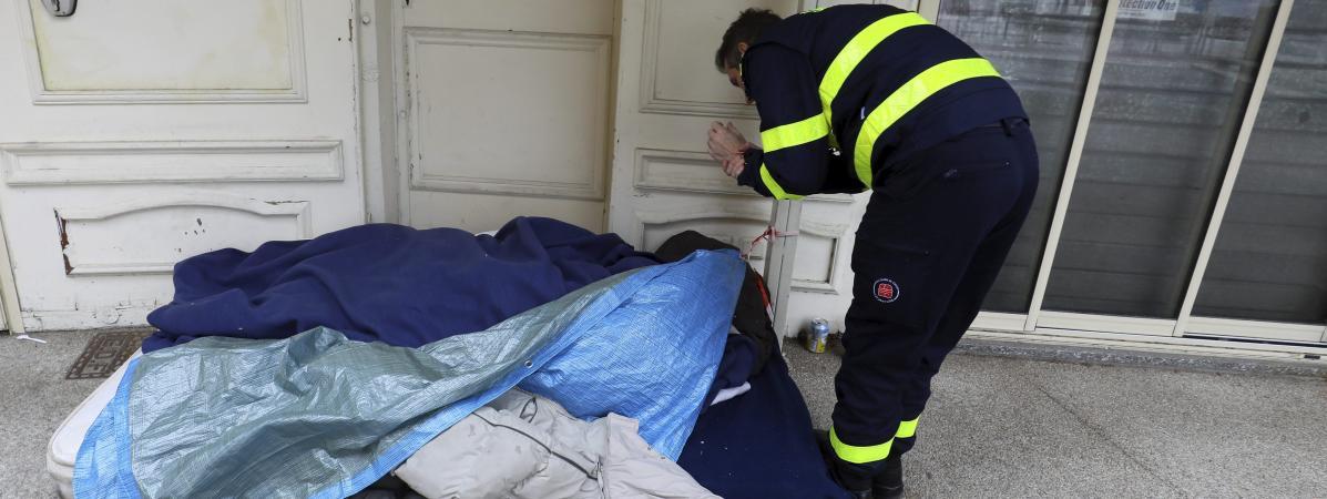 Le Samu social de Parislance une campagne tournée vers les sans-abri les plus âgés.