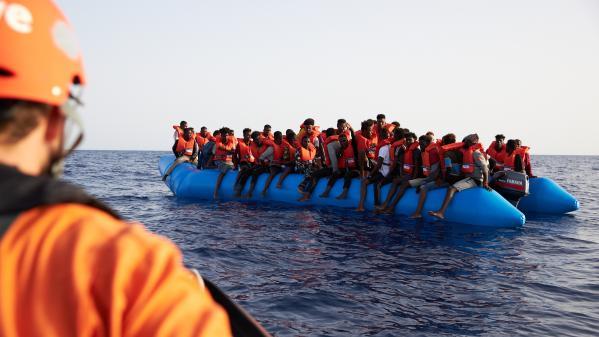 Libye : plus de cent migrants portés disparus après un naufrage, la pire tragédie en Méditerranée cette année selon l'ONU