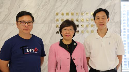 """VIDEO. """"La Chine a sa propre conception de la démocratie"""" : des Hongkongais expliquent pourquoi ils soutiennent Pékin"""