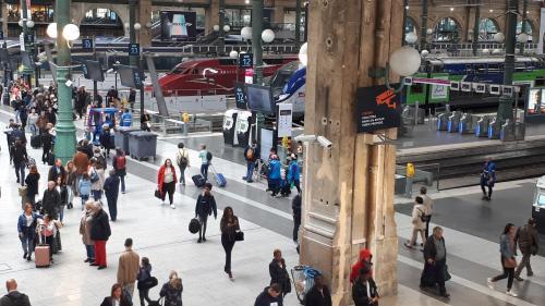 SNCF : une panne d'alimentation électrique perturbe l'ensemble du trafic des trains gare du Nord à Paris