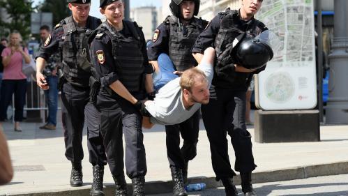 Russie : plus de 200 personnes arrêtées lors d'une manifestation de l'opposition à Moscou