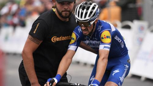 VIDEO. Tour de France : le moment où Julian Alaphilippe a dit adieu au podium
