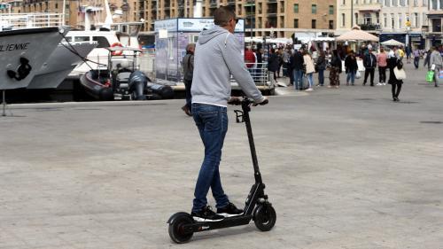 Marseille : la circulation des trottinettes électriques pourrait bientôt être interdite sur les trottoirs