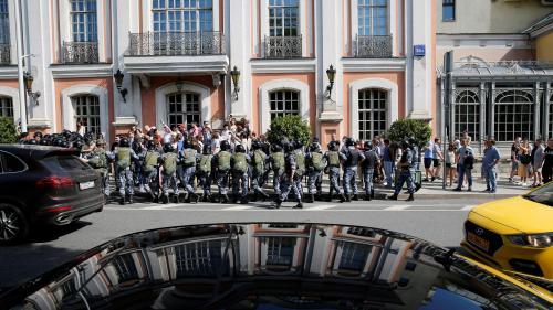 """""""Tous les grands changements commencent par des petits pas"""" : à Moscou, la forte répression ne décourage pas l'opposition de manifester"""