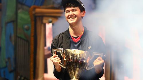 """Un Américain de 16 ans devient champion du monde du jeu vidéo """"Fortnite"""" et empoche 3 millions de dollars"""