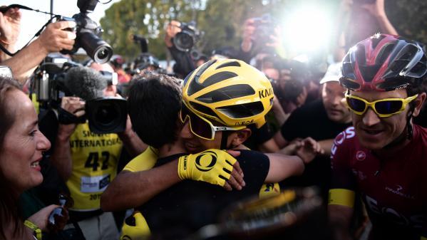 """""""C'est un bonheur incroyable"""", """"Ave Maria !"""" : les Colombiens en liesse après la victoire d'Egan Bernal au Tour de France"""