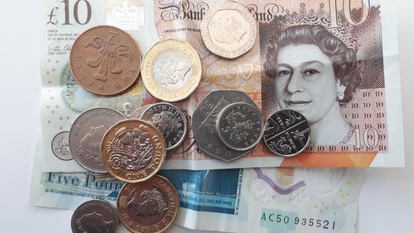 Le Brief Eco Brexit La Livre Sterling Plonge Les