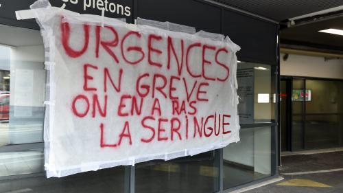 Cinq jours sur un brancard dans un couloir : les urgences de Saint-Étienne complètement débordées