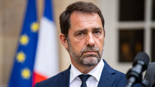 """Christophe Castaner critiqué pour avoir qualifié d'""""attentat"""" les dégradations de permanences LREM"""