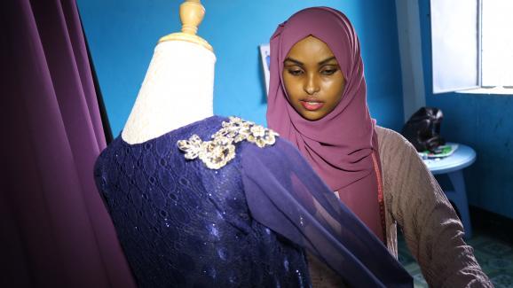 chez la jeunesse de mogadiscio  le  u0026quot made in somalia u0026quot  conquiert le march u00e9 de la mode