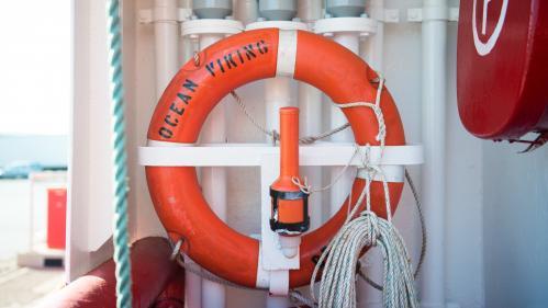 """Ocean Viking : """"On ne peut pas sacrifier la vie des gens sur l'autel de la politique intérieure de tel ou tel pays"""", affirme SOS Méditerranée"""