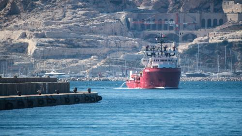 """Migrants : le nouveau départ de """"l'Ocean Viking"""" est """"une bonne nouvelle, parce que des gens meurent en mer"""""""