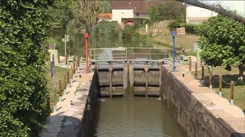 La sécheresse entraîne la fermeture de canal du Centre et la baisse de fréquentation du port de Metz