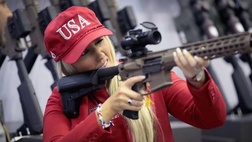 Elus notés, pluie de dollars et spots de pub: aux Etats-Unis, les méthodes de la NRA pour étouffer le débat sur les armes