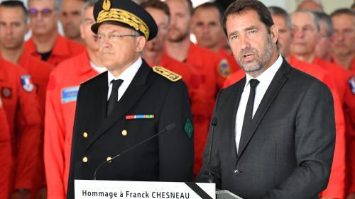 """""""La République est en deuil"""" : Christophe Castaner rend hommage à Franck Chesneau, le pilote décédé dans le Gard"""