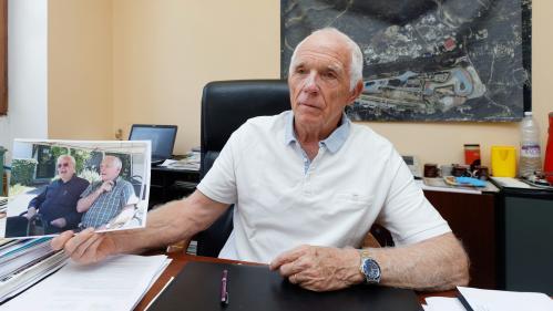 """VIDEO. """"Pour nous, c'était avant tout Jeannot"""" : les habitants de Signes rendent hommage à leur maire"""
