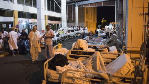 """""""La population nous fait des dons"""": en grève générale depuis le 23juillet, le CHU de Guadeloupe est à bout"""