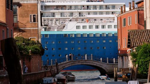 En Italie, Venise interdit l'entrée des navires de croisière dans son centre historique