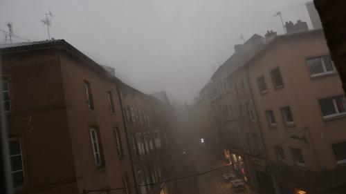 Tornade en Meurthe-et-Moselle, violents orages à Toulouse... Découvrez les dégâts provoqués par les intempéries vendredi soir