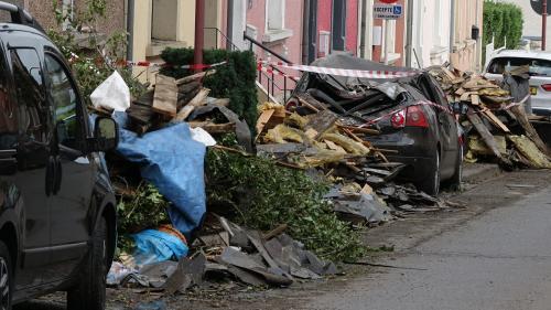 """VIDEO. """"Ca a duré une ou deux minutes, pas plus"""" : une tornade fait d'importants dégâts dans le Grand Est et au Luxembourg"""