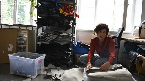 Transformés en sacs, des bateaux pneumatiques de migrants trouvent une seconde vie à Berlin