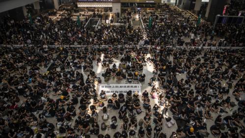 DIRECT. Hong Kong : les vols de lundi annulés en raison d'un sit-in géant des manifestants pro-démocratie dans l'aéroport