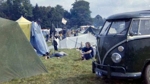 En 1969, des centaines de milliers de festivaliers s\'étaient réunis dans un champ de Bethel pour un week-end de musique, d\'amour libre et de consommation de drogues.